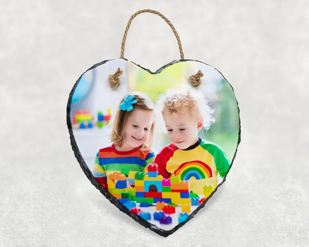 Printed picture on hanging heart photo slate