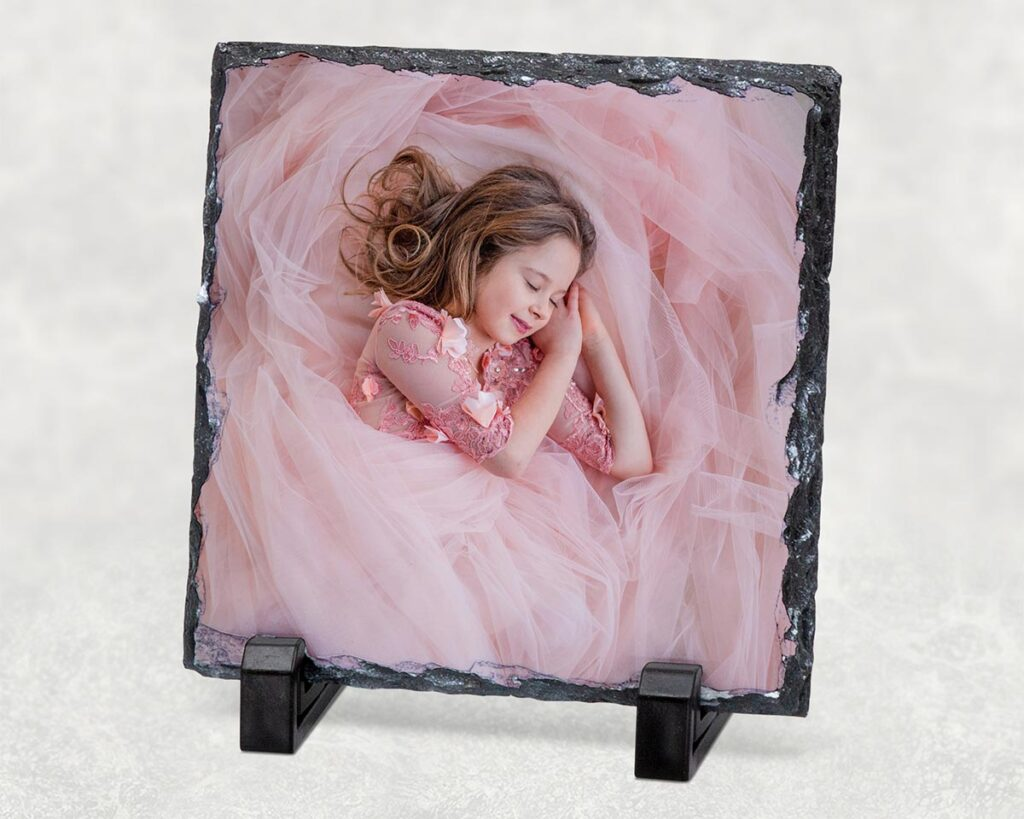 Child's picture printed on suare photo slate
