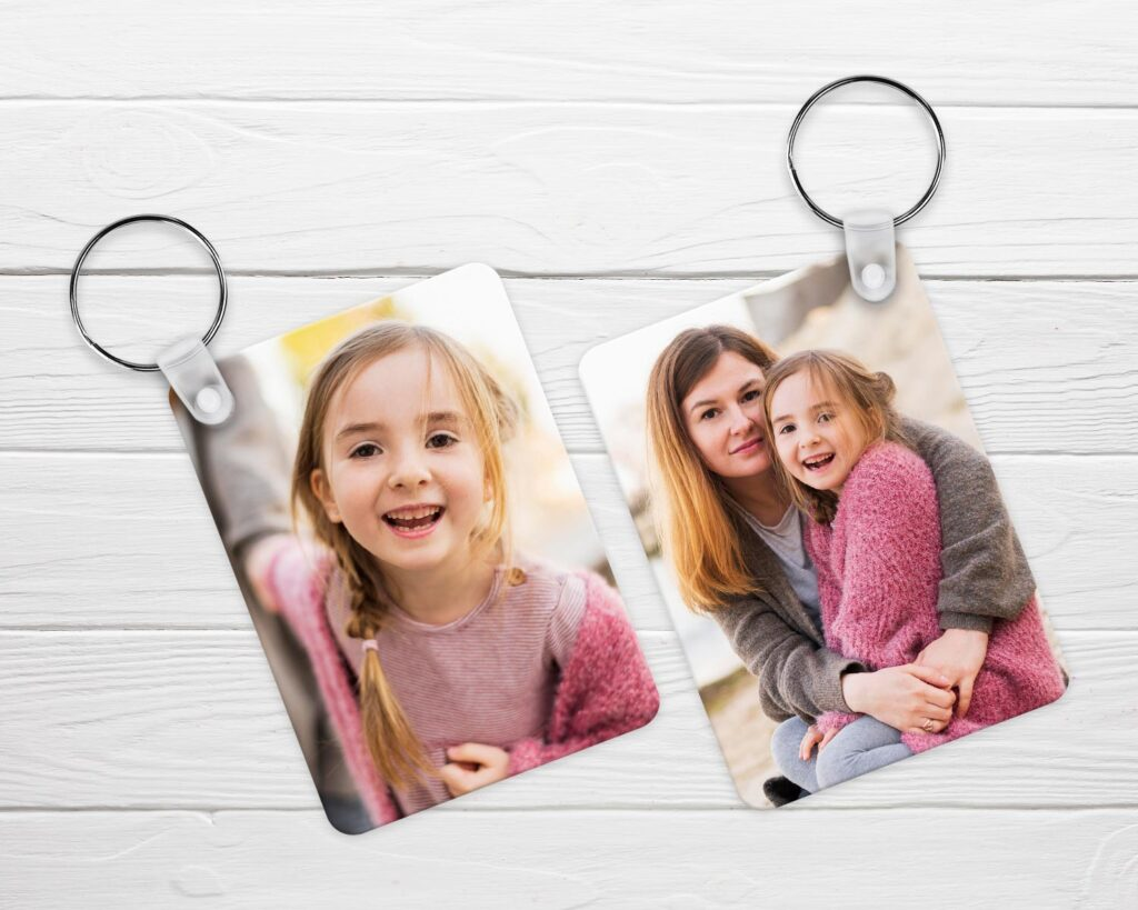Double sided aluminium keyring