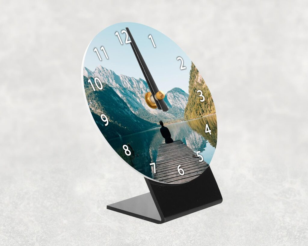 Photo desk clock side profile