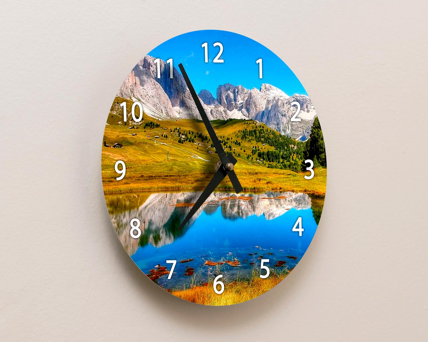 Aluminium Wall Clock detail