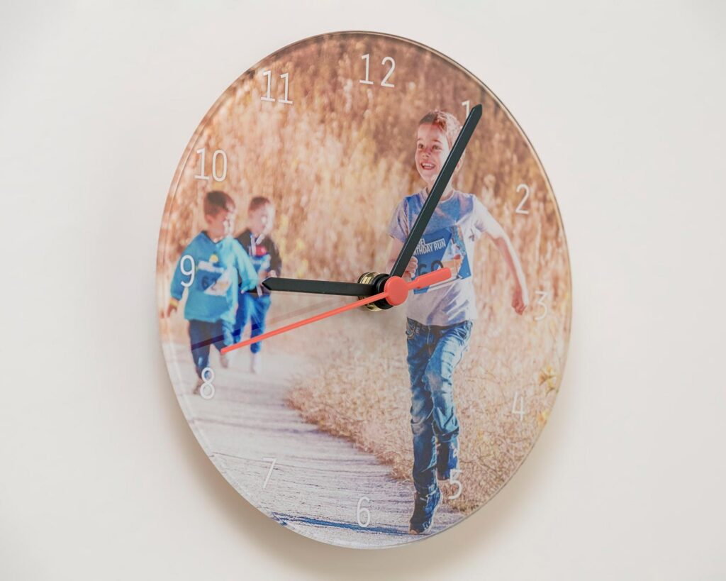 Glass Wall Clock detail