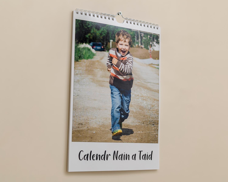 Calendr-A4-Clawr
